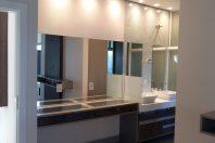 Projeto casa sobrado moderno condomínio terras são bento limeira terreno 10×25 Hall com Lustre de Cristal