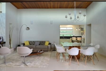 projeto-design-interiores-rustico-chic-arquiteto-limeira-caio-casa-térrea-sala integrada living teto madeira alto