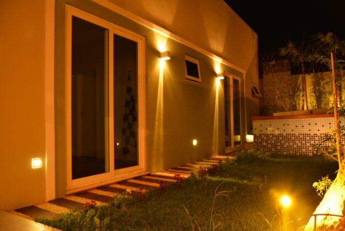 projeto iluminação residencial decorativo casa lustre arquiteto caio pelisson Arandelas Jardim