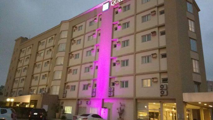 teste luminária led fachada projeto iluminação hotel quality Jundiaí arquiteto caio pelisson luminotécnica