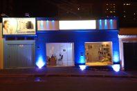 projeto iluminação luminotécnico comercial loja fachada gesso azul