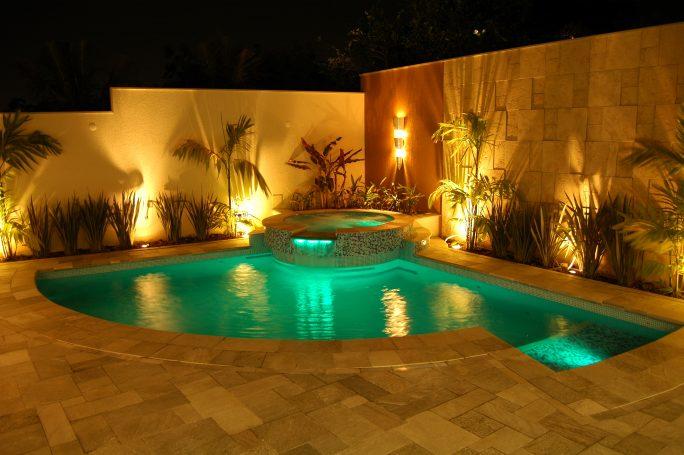 Projeto piscina curva redonda spa hidromassagem prainha ilumina o led fibra tica arquiteto - Piscina redonda fibra ...