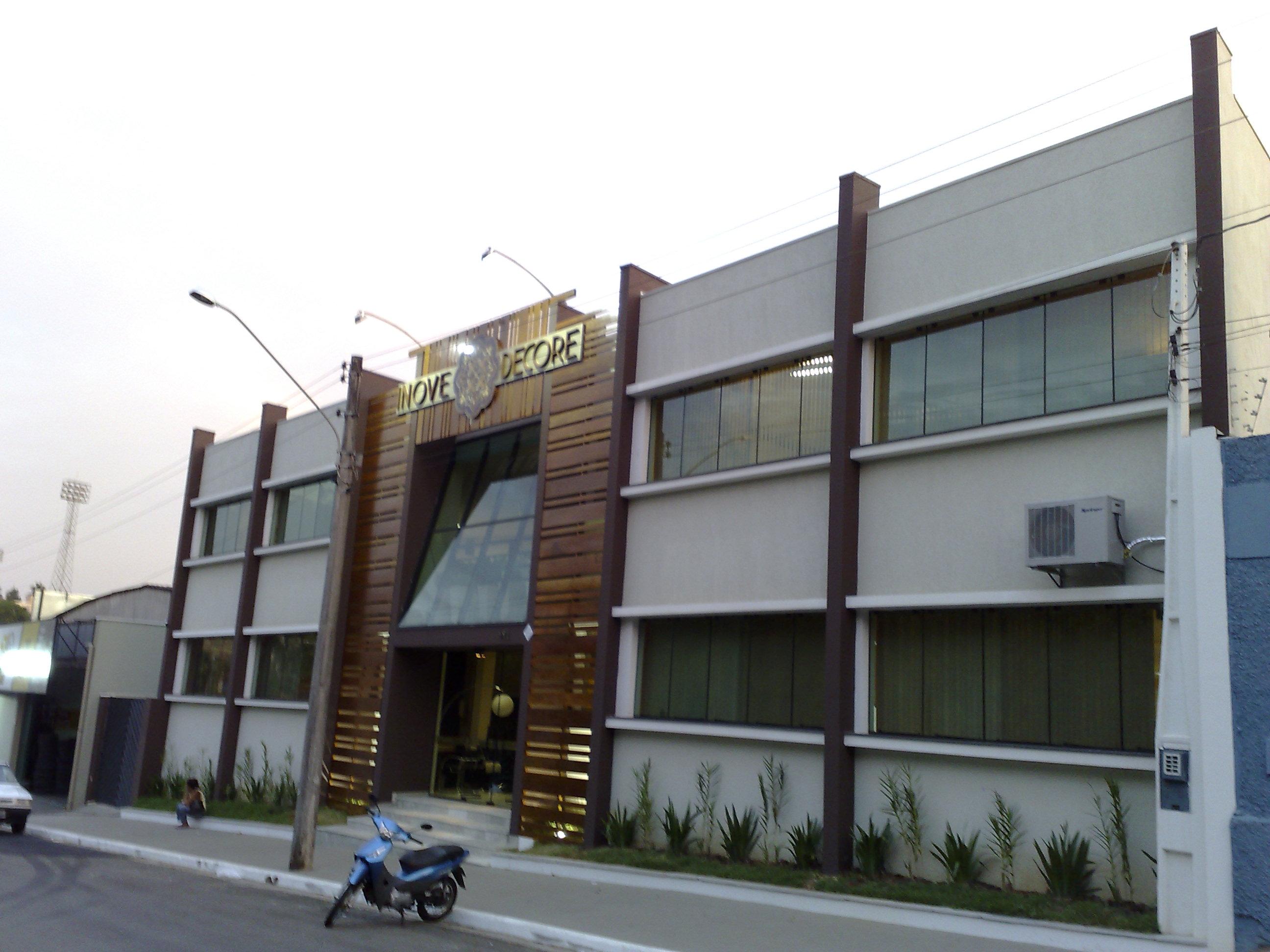 Projeto loja de m veis fachada moderna madeira em limeira - Shop on line casa ...